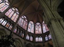 Witraże w prezbiterium katedry